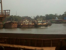 Self Propelled Barges and Mini Bulk Carriers for loading and unloading at Anchorage
